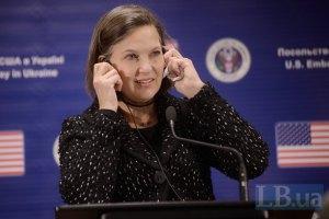 США і ЄС обговорюють питання введення нової серії санкцій проти РФ, - Нуланд