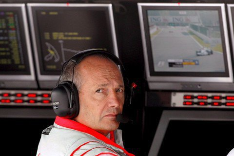 Боса McLaren Рона Денніса відправлено у відставку після 36 років роботи