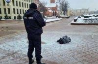 У Дома правительства в Минске мужчина совершил самоподжог