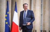 У Франції підпалили будинок голови парламенту