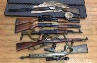 Жителька Слов'янська здала у поліцію мішок зі зброєю
