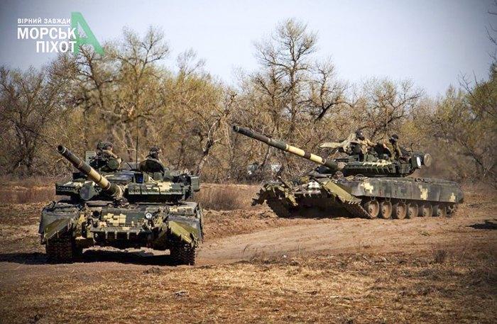 Тактичні навчання артилерії з бойовими стрільбами 36-ї окремої бригада морської піхоти імені контрадмірала Михайла Білинського на військовому полігоні в Херсонській області.