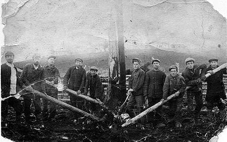 Ссылка в трудовые лагеря в отдаленных регионах была одной из форм советских репрессий