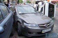 В Киеве четыре машины столкнулись из-за открытого люка