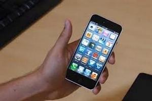 Першими власниками нового iPhone стали грабіжники