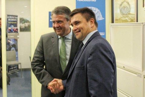 Климкин и глава МИД Германии Габриэль обсудили введение миротворческой миссии ООН на Донбасс
