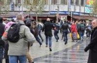 Полиция Льежа преследует бросивших в людей гранаты