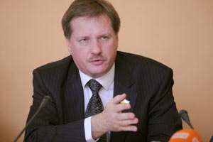 """Литвин підписав """"мовний"""" закон під тиском, - Чорновіл"""