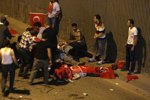 Кількість жертв заколоту в Туреччині сягнула 190 осіб