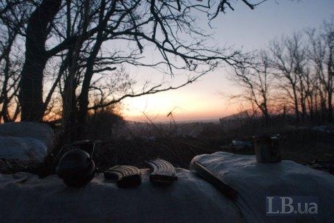 Одного військовослужбовця поранено на Донбасі у п'ятницю
