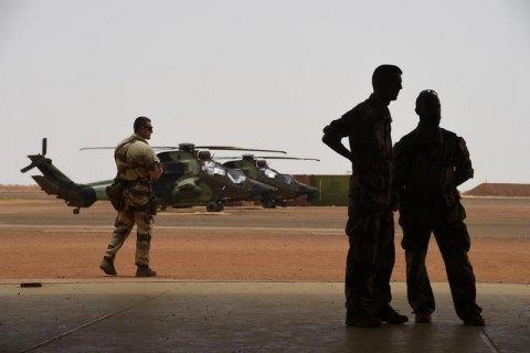 В Мали при столкновении двух вертолетов погибли 13 французских военных