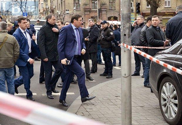 На место проишествия прибыл генпрокурор Юрий Луценко