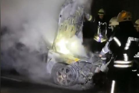 Неизвестные подожгли автомобиль нардепа Лероса