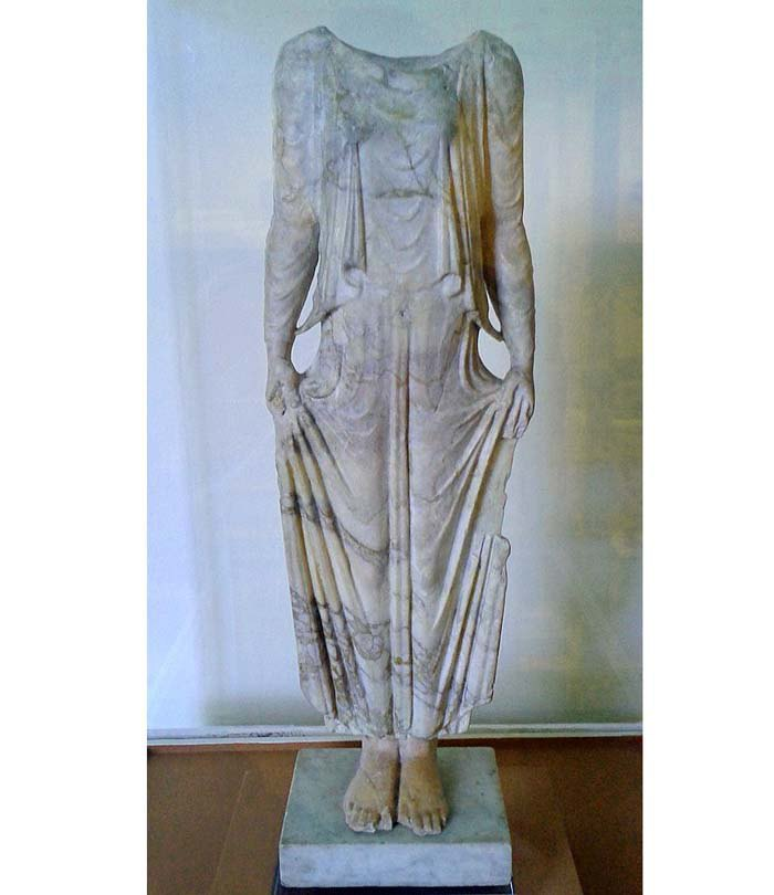Мраморная статуэтка (Кора), Греция, 5 ст. до н.э.