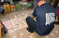На Херсонщині викрили правоохоронця, який обіцяв за хабар домовитися про закриття кримінальної справи