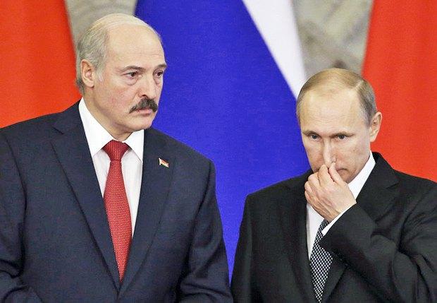 Владимир Путин и Александр Лукашенко во время встречи в Кремле