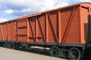 Російські потяги доставляють вантаж зі швидкістю велосипеда