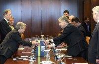 Порошенко передав Генсеку ООН листи українців із закликом звільнити військовополонених моряків