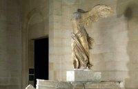 Лувр собирает деньги на реставрацию знаменитой статуи