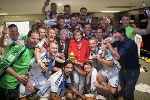 Немецкий журнал футбольный тренер