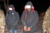 Двое нелегалов из Бенгладеш ночью пытались в поле пересечь украино-польскую границу