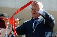 Київський губернатор агітував за ПР і масажиста Азарова