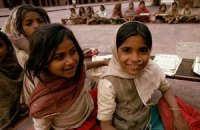 В Индии школьники отравились обедами с ящерицей