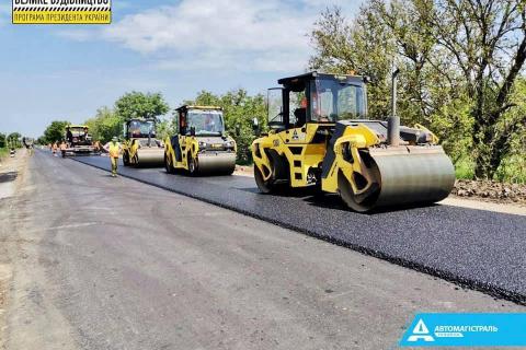 """В Одесской области компания """"Автомагистраль-Юг"""" завершает восстановление дороги, ведущей в Молдову"""