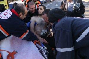 Палестинец с ножом ранил 9 человек в Тель-Авиве