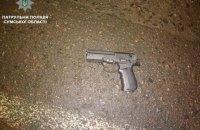 В Сумах мужчина устроил стрельбу и ранил двух человек