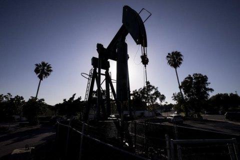 Байден доручив використовувати стратегічний запас нафти для зниження цін на паливо