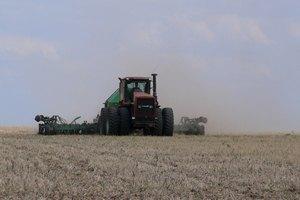 Аграрії підрахували втрати врожаю через зрив посівної в Криму
