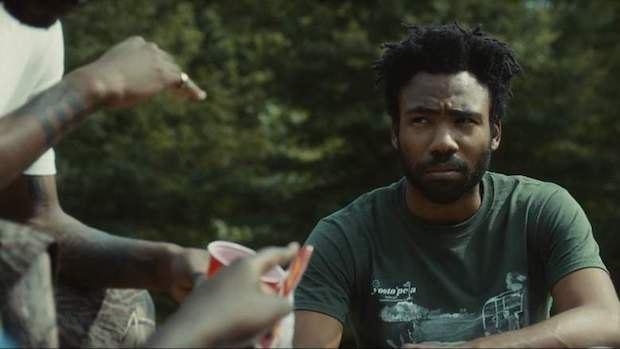Кадр из сериала Атланта
