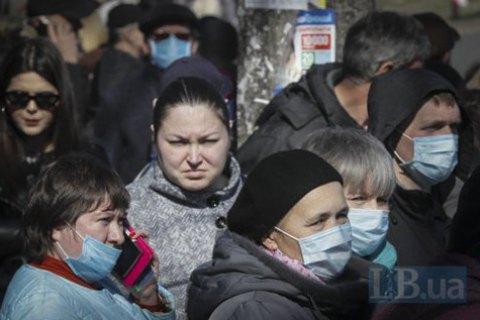 Зеленский подписал закон о штрафах за пребывание в общественных заведениях и транспорте без масок