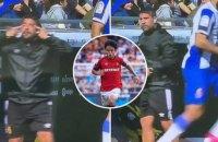 """Тренер """"Мальорки"""" показал расистский жест своему игроку во время матча Ла Лиги"""
