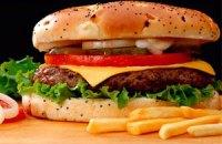 Гамбургеры и дешевая колбаса провоцируют суицид