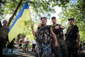 На въездах в Мариуполь устанавливают противотанковые ежи