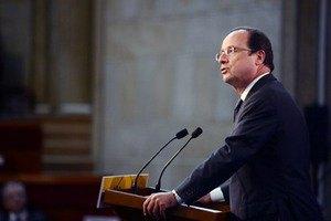 Президент Франції назвав умову нападу на Сирію