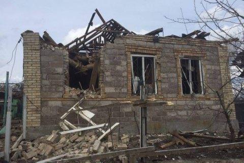 """Боевики обстреляли Авдеевку из """"Градов"""", поврежден 21 дом (обновлено)"""