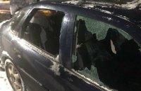 Підозрюваних у нападі на журналістів у Києві відправили під нічний домашній арешт