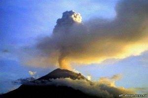 Вулкан в Чили нарушил авиасообщение