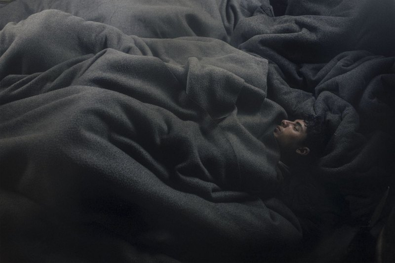 Снимок из серии Lives In Limbo о беженцах, отправившихся в Европу