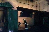 На Деміївському ринку в Києві вночі згоріли вісім кіосків