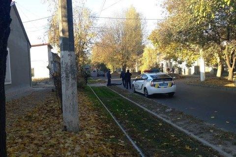 В Одесі дільничний застрелив підозрюваного у вбивстві, який накинувся на нього з сокирою (оновлено)