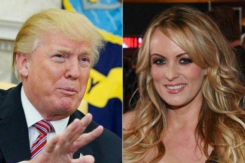 В США задержали порнозвезду Сторми Дэниелс, объявившую о связи с Трампом
