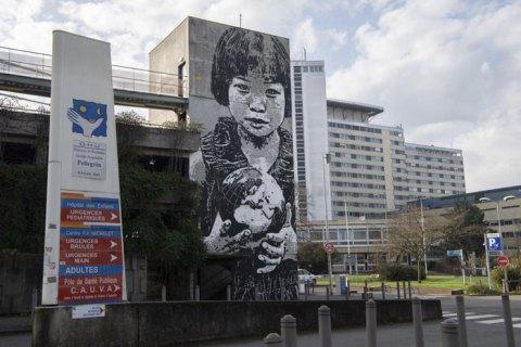 ЮНИСЕФ обеспокоен защитой детей, которых вернули из интернатов во время эпидемии