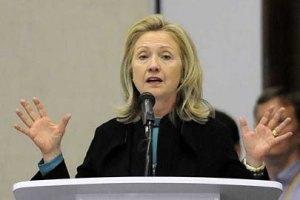 Политика России приведет к гражданской войне в Сирии, - Клинтон
