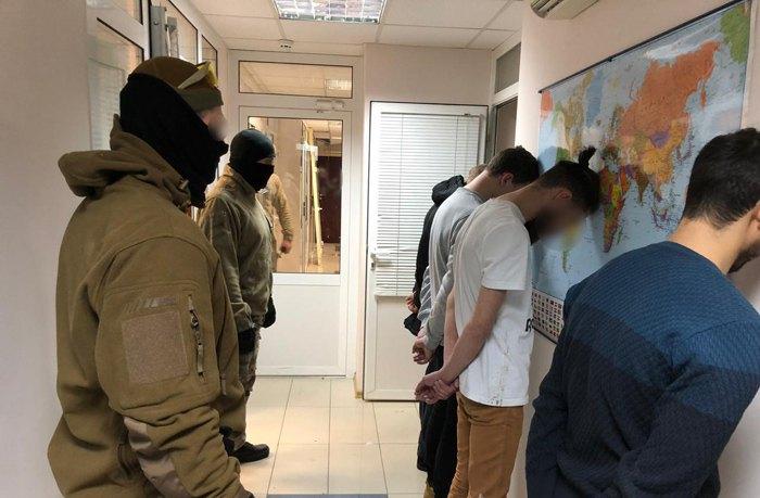 97c3399a1 Кіберполіція викрила шахраїв, які виманили понад 20 млн гривень на ...