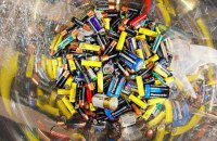 Перші 20 тонн батарейок поїхали на переробку у Румунію