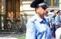 В Одессе милиционер, несмотря на перелом руки, задержал преступника